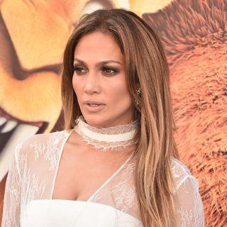 Jennifer Lopez come Kim Kardashian? Lo scatto sexy