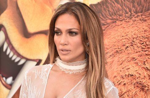 Jennifer Lopez come Kim Kardashian? Lo scatto sexy su Instagram