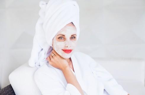 Come applicare correttamente una maschera per il viso