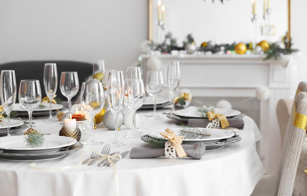 Decorazioni per la tavola di natale le idee diredonna - Addobbi natalizi per tavola da pranzo ...