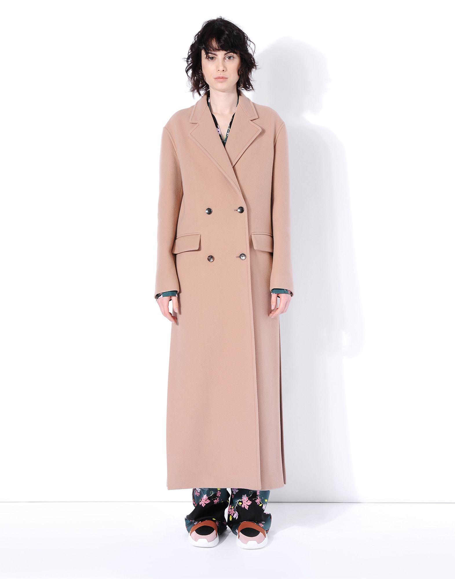 Il cappotto cammello, le foto