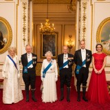 La famiglia reale durante il ricevimento del corpo dipolomatico
