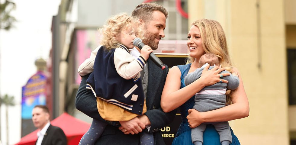 Ryan Reynolds e Blake Lively sulla Hollywood Walk of Fame con le figlie (foto)