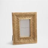 Zara Home Cornice con incisione dorata 22,99 euro