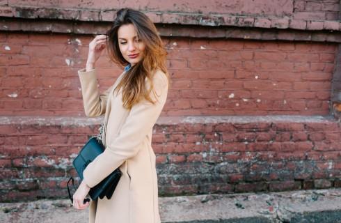 Come abbinare il cappotto cammello