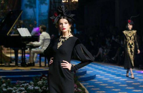 Dolce & Gabbana primavera estate 2017, l'alta moda sfila alla Scala