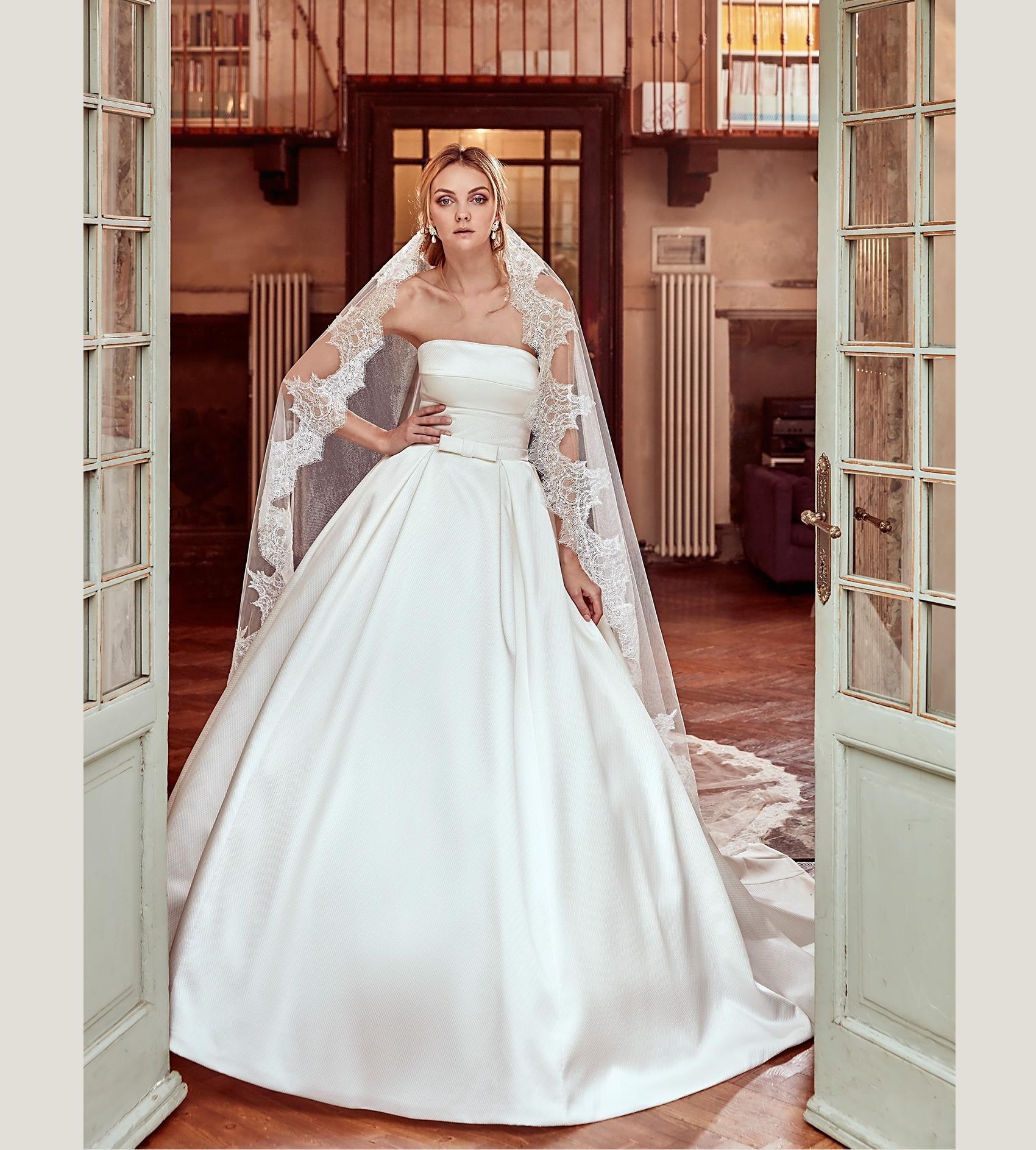 Abiti da sposa 2017 Pronovias, Nicole Spose e Rosa Clará, le foto