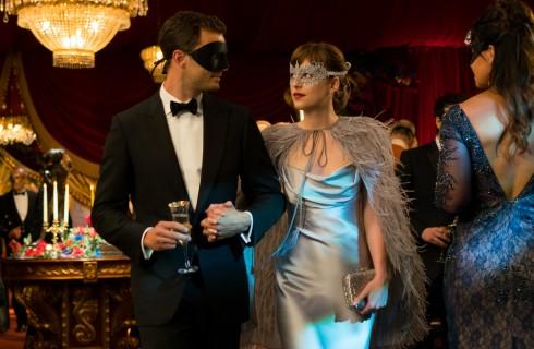 Cinquanta sfumature di nero con Dakota Johnson e Jamie Dornan: recensione