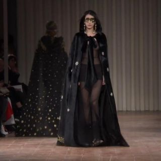 Alberta Ferretti, in passerella la magia di Venezia