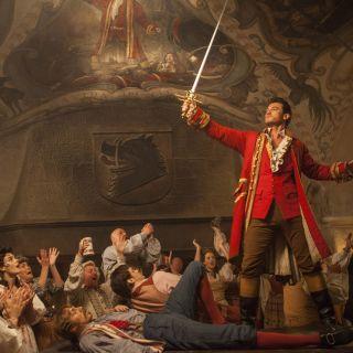 La Bella e la Bestia: la canzone di Gaston in italiano, clip