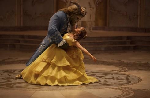 La Bella e la Bestia: recensione e 5 dettagli per amanti del cartone