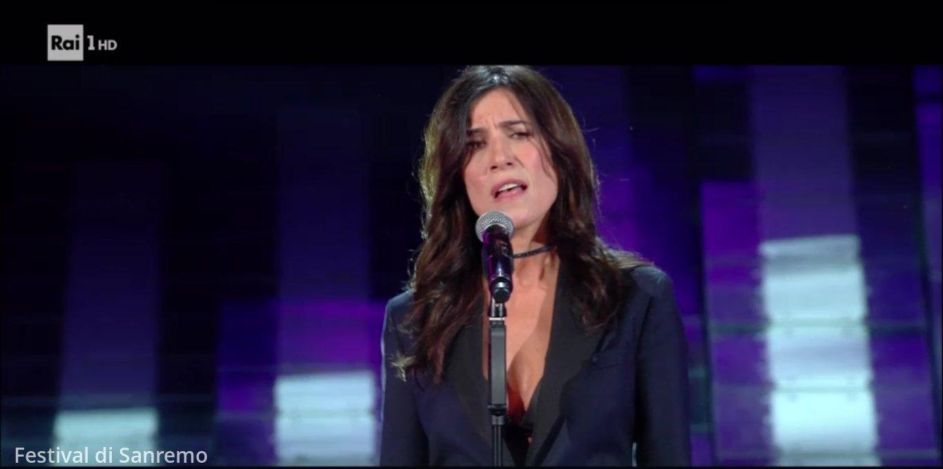 Sanremo 2017, le foto della seconda serata