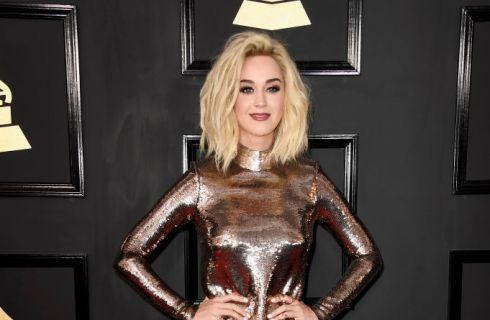 Katy Perry come Miley Cyrus: il suo nuovo taglio di capelli (video)