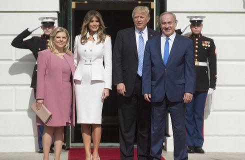 Melania Trump in Karl Lagerfeld per l'esordio da First Lady alla Casa Bianca