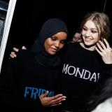Alberta Ferretti Autunno Inverno 2017 2018 Backstage Halima Aden e Gigi Hadid