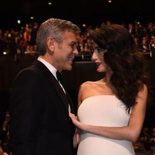George Clooney si alza di notte per aiutare Amal con i figli