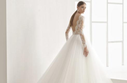 Vestiti da sposa 2018 a sirena diredonna for Principessa romana