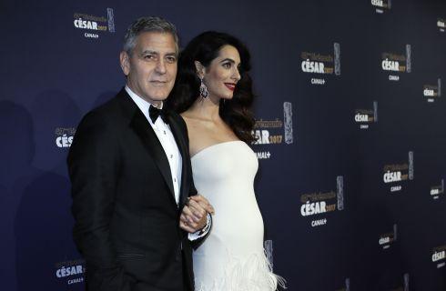 George Clooney e Amal a cena sul Lago di Como (foto)