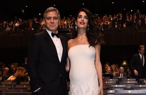 George Clooney: per il parto di Amal ha scelto le stesse suite di Kate Middleton