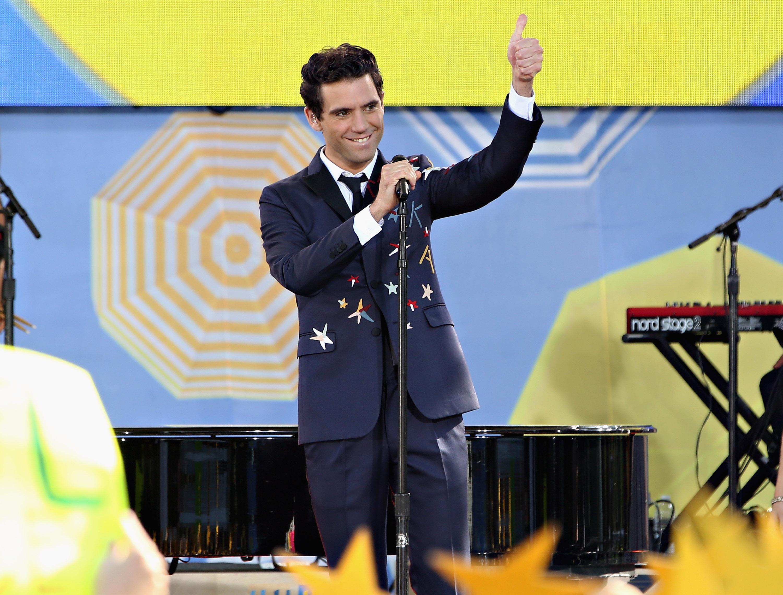 Sanremo 2017 terza serata, le foto di ospiti e vallette