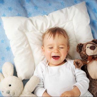 Perché i neonati ridono nel sonno