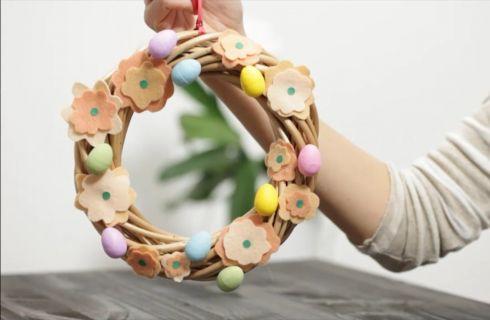 Decorazione pasquale per la casa: il tutorial per fare la ghirlanda di Pasqua