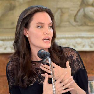Angelina Jolie: incontri romantici con fidanzato a Malibu