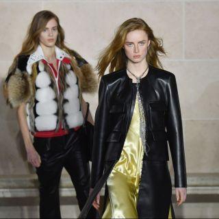 La femminilità moderna e rigorosa di Louis Vuitton