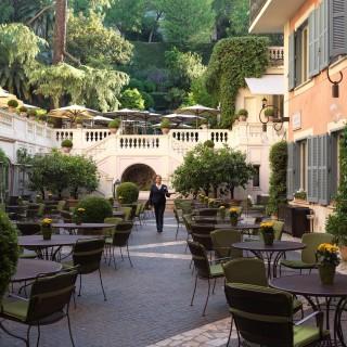 I 10 ristoranti più belli dove mangiare all'aperto a Roma