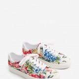 Sneaker Mango Stampate a fiori 29,99 euro