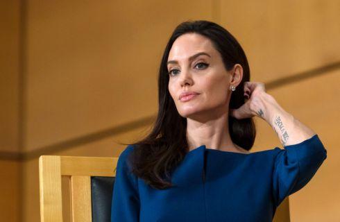 Angelina Jolie fatica a crescere i figli senza Brad Pitt