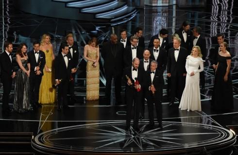 Oscar 2017: tutte le facce degli attori dopo la non vittoria di La La Land