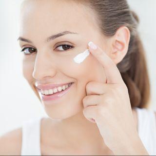 Quale crema viso usare a seconda dell'età