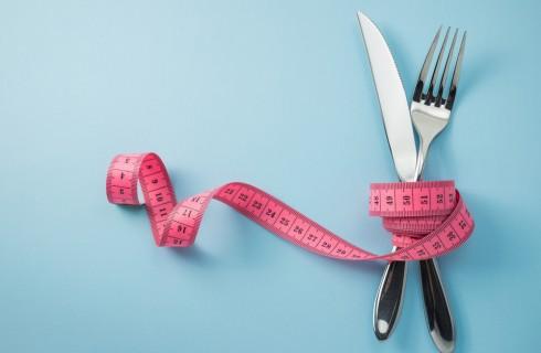 Dieta senza carboidrati: menu, come funziona, controindicazioni e quanto si perde