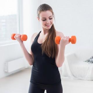 3 esercizi per rassodare e tonificare le braccia