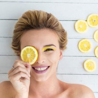 Come usare il limone su pelle e capelli