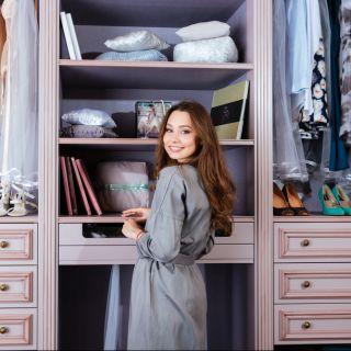 Come organizzare l'armadio perfetto: consigli e accessori