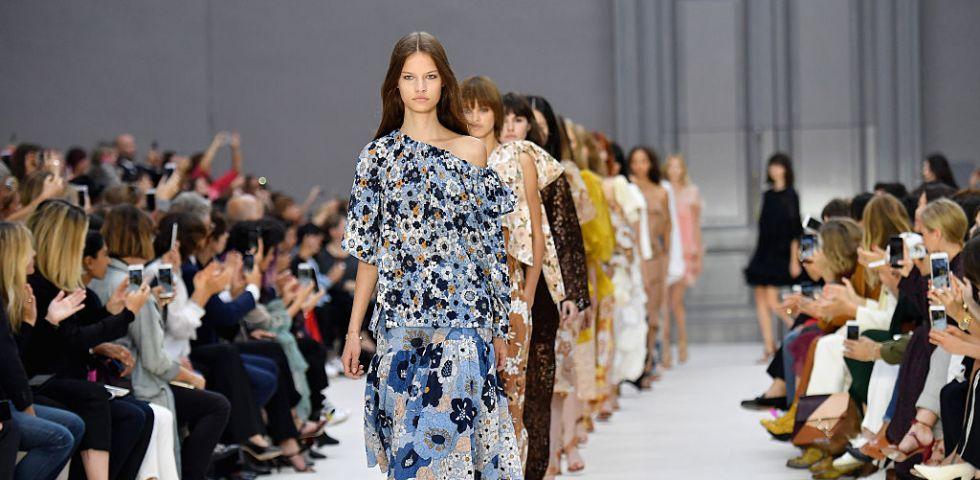 Moda Primavera Estate 2017  vestiti lunghi - DireDonna 26fdc076171