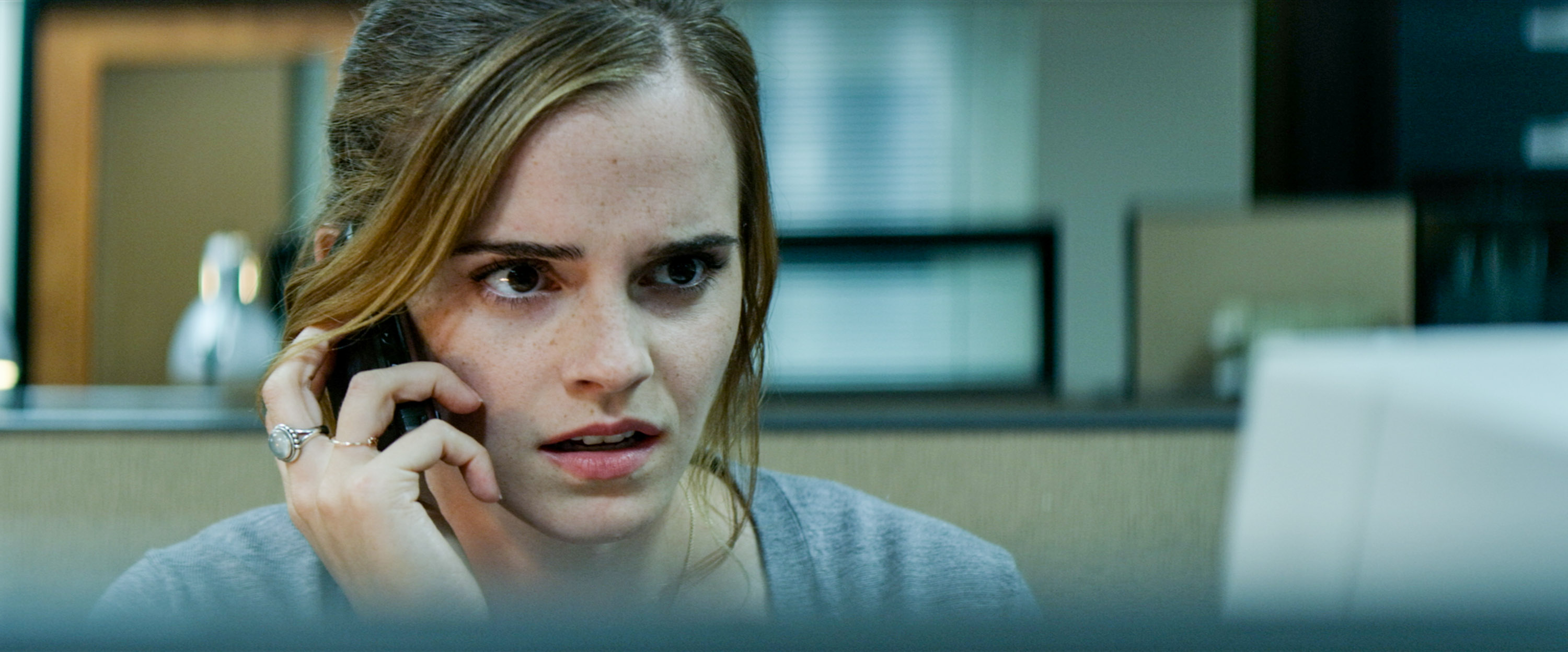 The Circle, le foto del film con Emma Watson e Tom Hanks