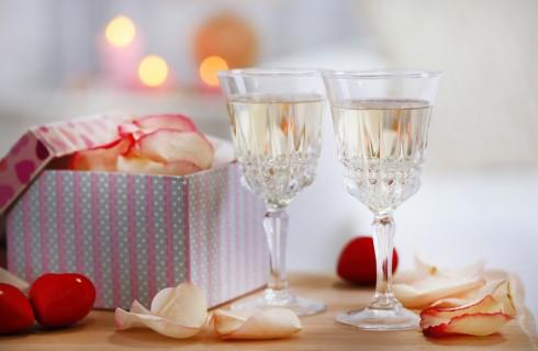 Come festeggiare l'anniversario di fidanzamento: idee, sorprese, frasi e lettera