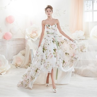 I vestiti da sposa corti e colorati più belli per il 2018