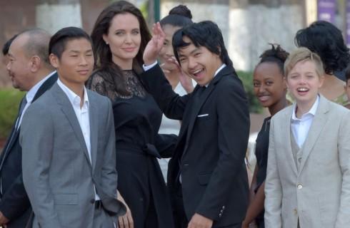 Angelina Jolie: Shiloh Jolie-Pitt con un nuovo taglio di capelli (foto)