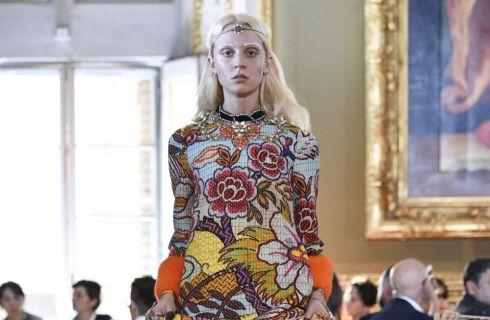 Gucci sfila nella Galleria Palatina di Palazzo Pitti con la collezione Cruise 2018