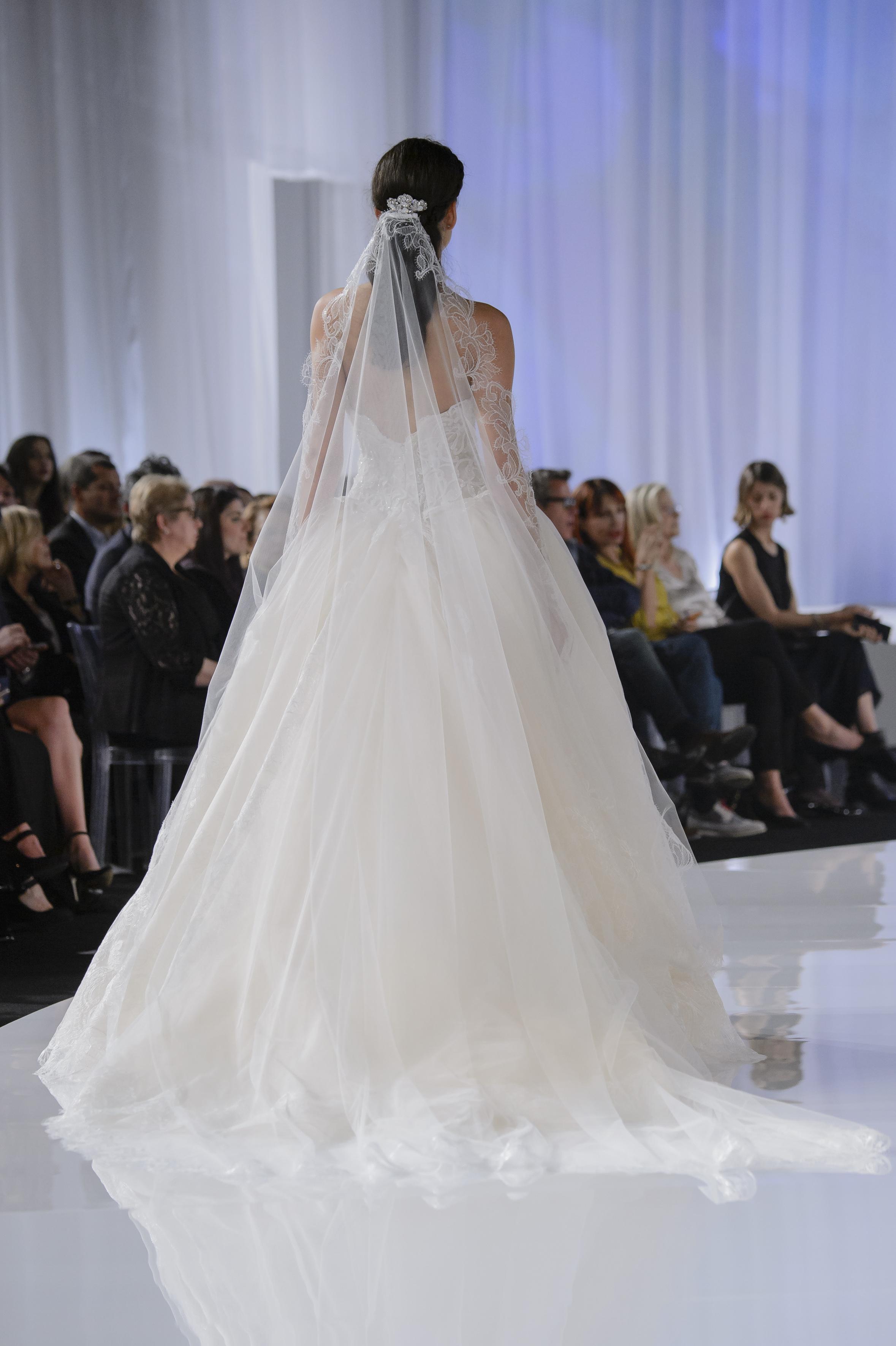 Gli abiti da sposa Alessandra Rinaudo 2018, foto