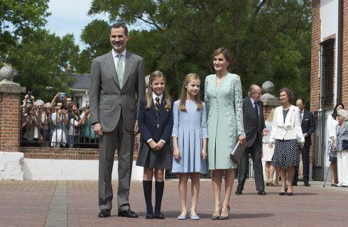 Letizia Ortiz, Regina di Spagna, celebra la Prima Comunione della Principessa Sofia