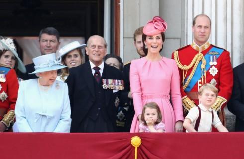 Kate Middleton: le regole che la famiglia reale inglese deve sempre seguire