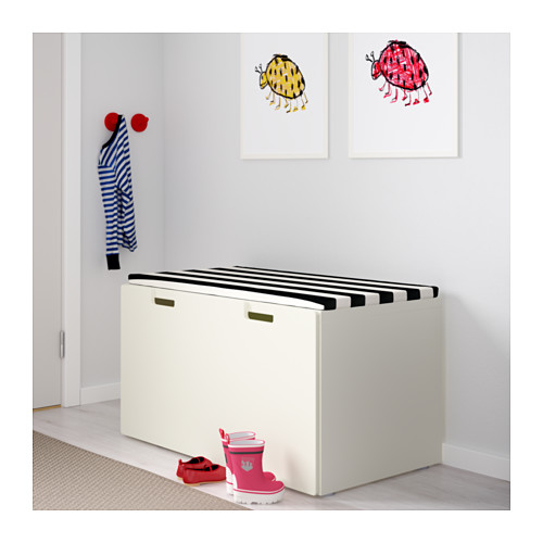 Ikea  Soluzione con mobili contenitore