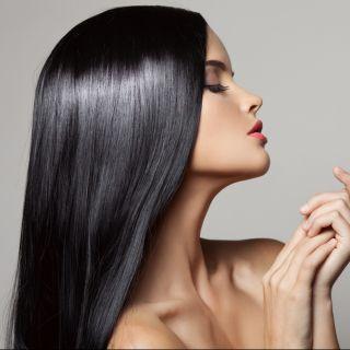 Colori di capelli di tendenza per l'inverno: charcoal hair