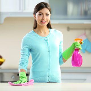 Come pulire i top delle cucine: i consigli
