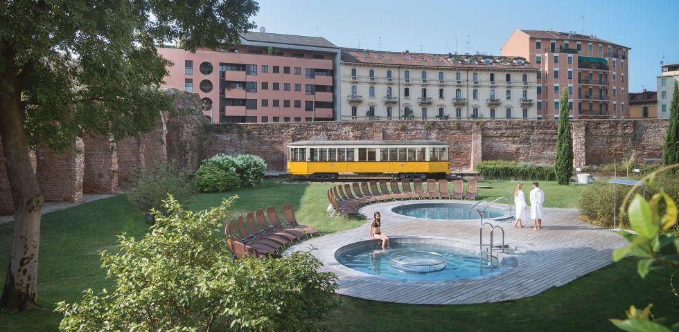 Estate 2017 in piscina dove andare a milano diredonna for Club esclusivi milano